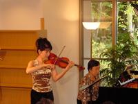 大津 純子(ヴァイオリニスト)岡田 知子(ピアニスト)